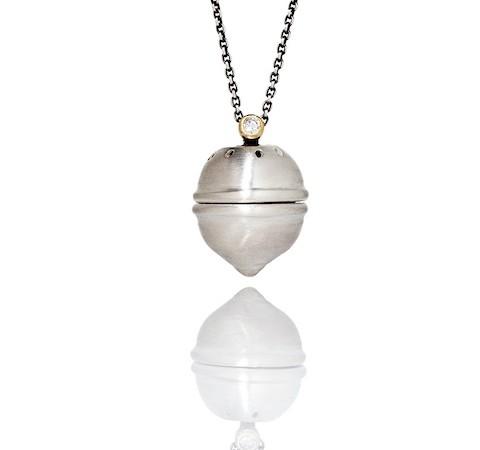 The pomander silver