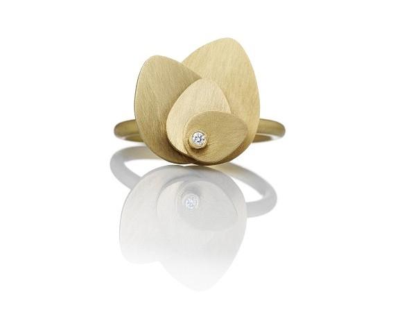 Petal-Ring-I-Guld