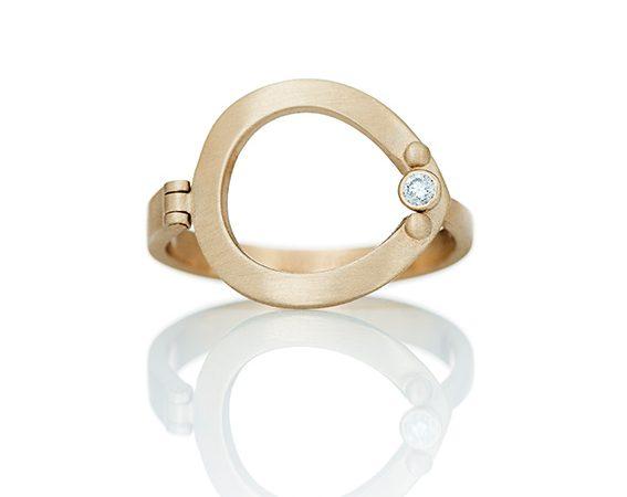 universal_ring